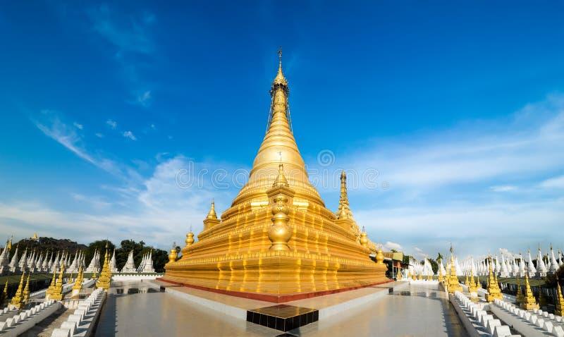 Золотая пагода Sandamuni Мандалай, перемещение Мьянмы (Бирмы) стоковая фотография rf