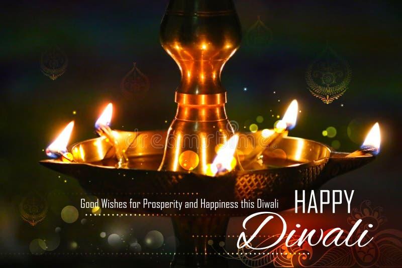 Золотая стойка diya на абстрактной предпосылке Diwali стоковое изображение rf