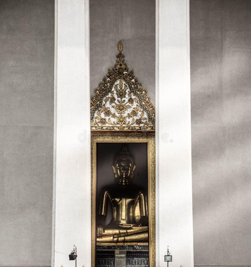 Золотое изображение Будды стоковая фотография rf