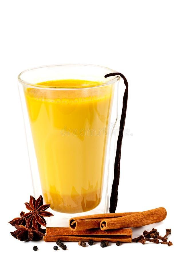 Золотое молоко с специями стоковое изображение