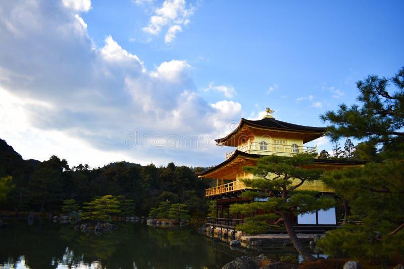 Золотой висок дома в Японии Киото стоковые изображения rf