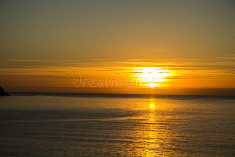 Золотой заход солнца через Торки стоковые фотографии rf