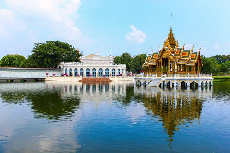 Золотой павильон, дворец боли челки в Ayutthaya, Таиланде. стоковые фотографии rf