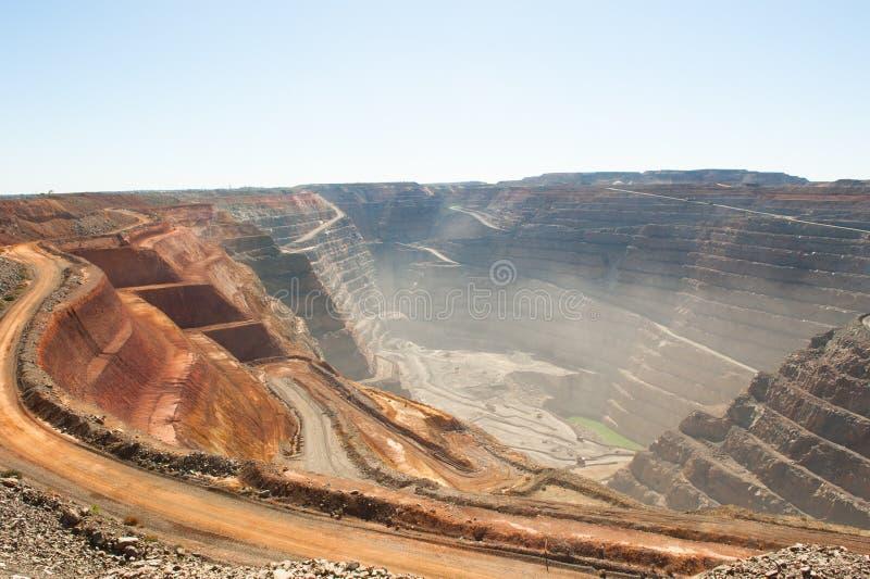 Золотодобывающий рудник отрезка супер ямы Kalgoorlie вида с воздуха открытый стоковое фото