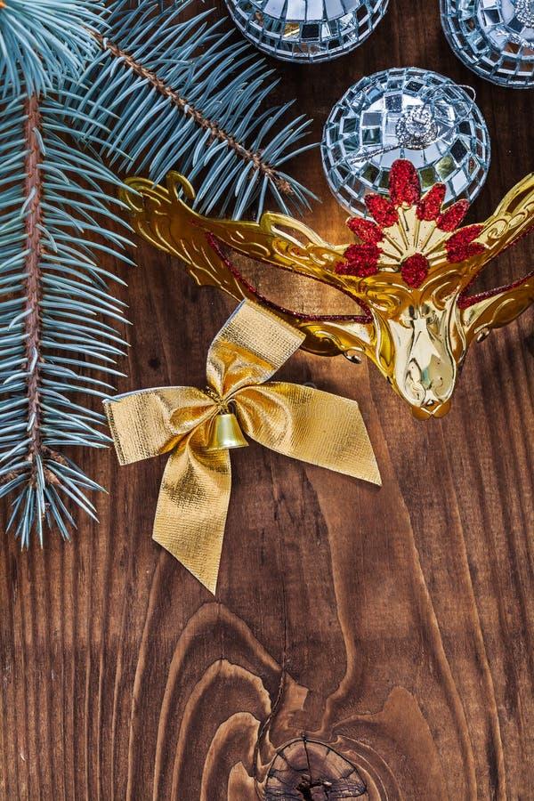 Золото шариков диско 3 зеркала рождественской открытки покрасило carnava смычка стоковые фотографии rf