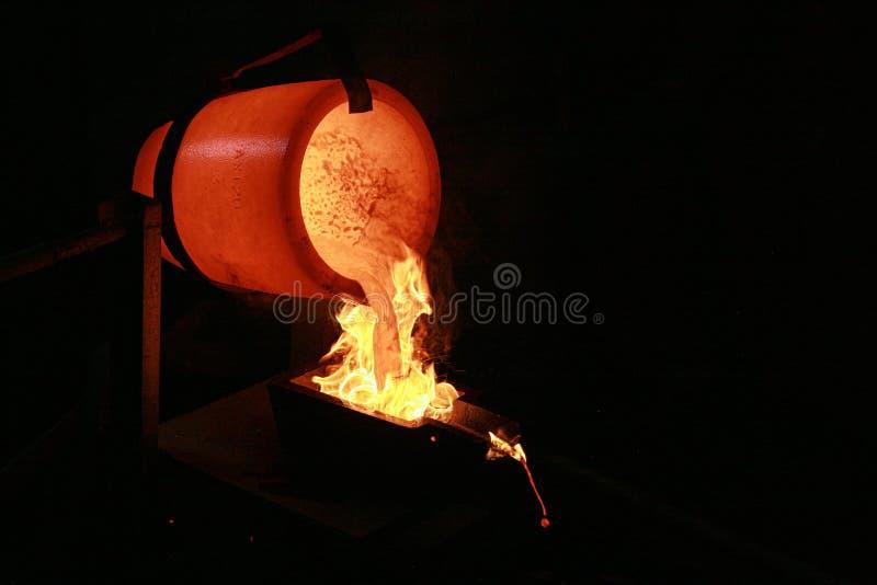 золото льет стоковые изображения rf