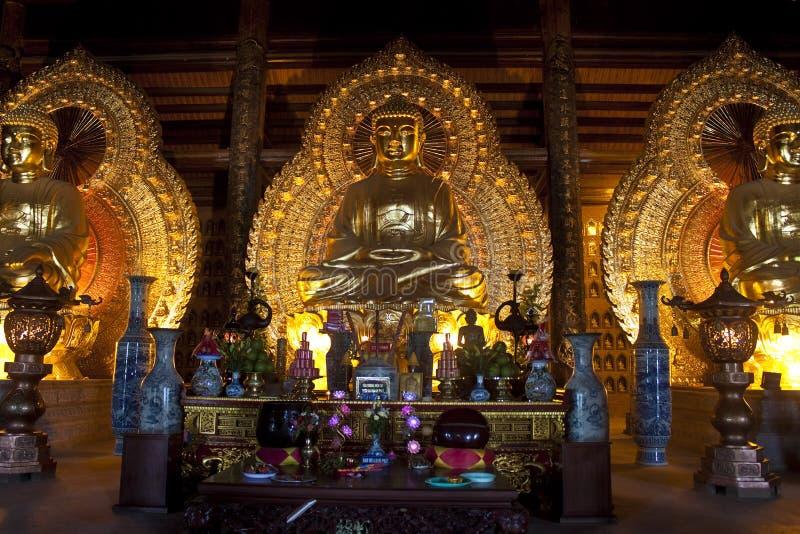Золотые изображения Будды стоковые изображения
