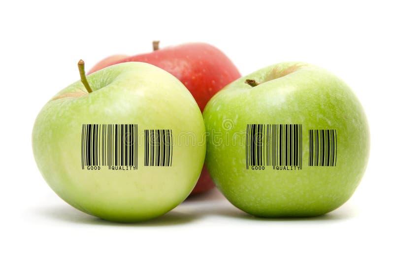Зрелые яблоки с barcode стоковое изображение