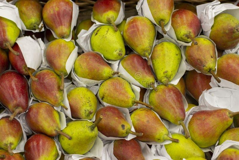 Зрелый желтый красный плод груши, серии груш стоковые изображения rf