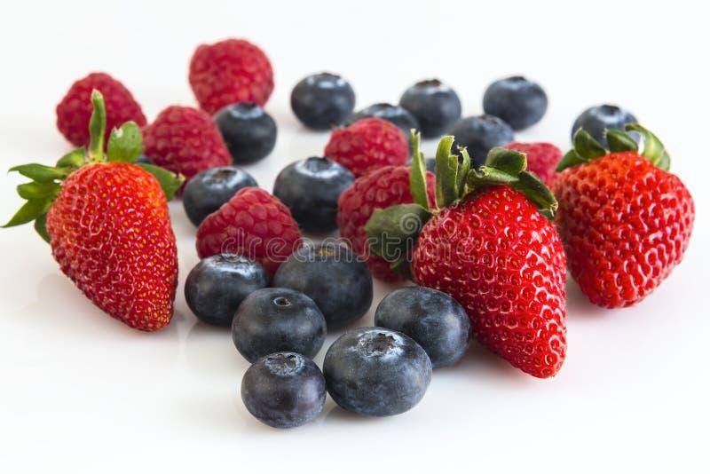 Download Зрелая ягода поленик, клубник и голубик Стоковое Изображение - изображение насчитывающей еда, диетпитание: 40587083