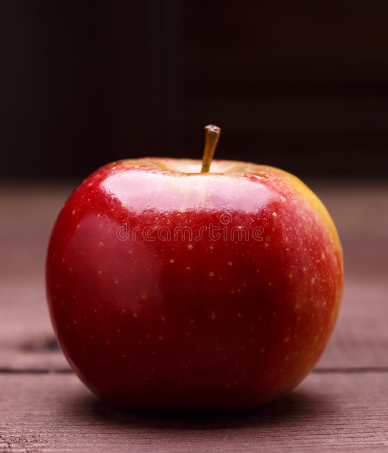 зрелое яблока красное стоковое фото