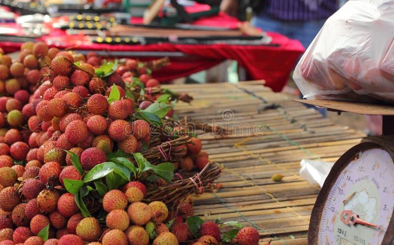 Download Зрелое lychee в рынке стоковое фото. изображение насчитывающей ингридиент - 40577828