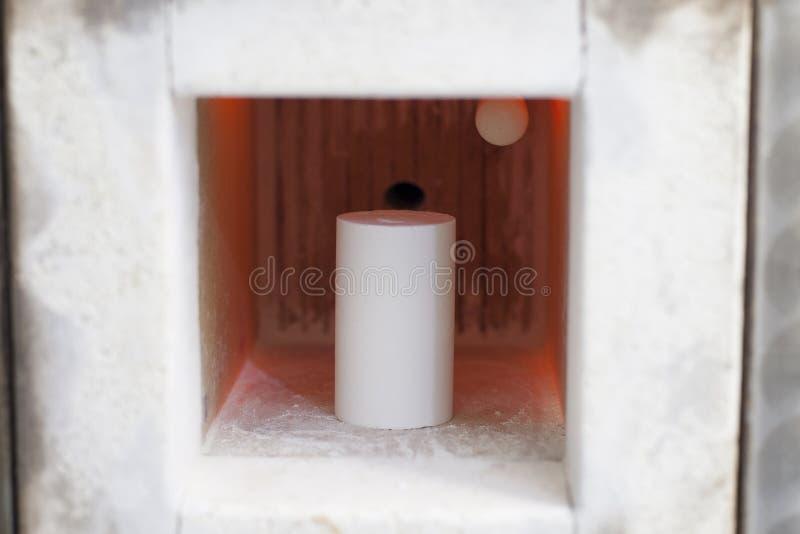 зубная таяющая печь зубной протезной ткани стоковая фотография rf