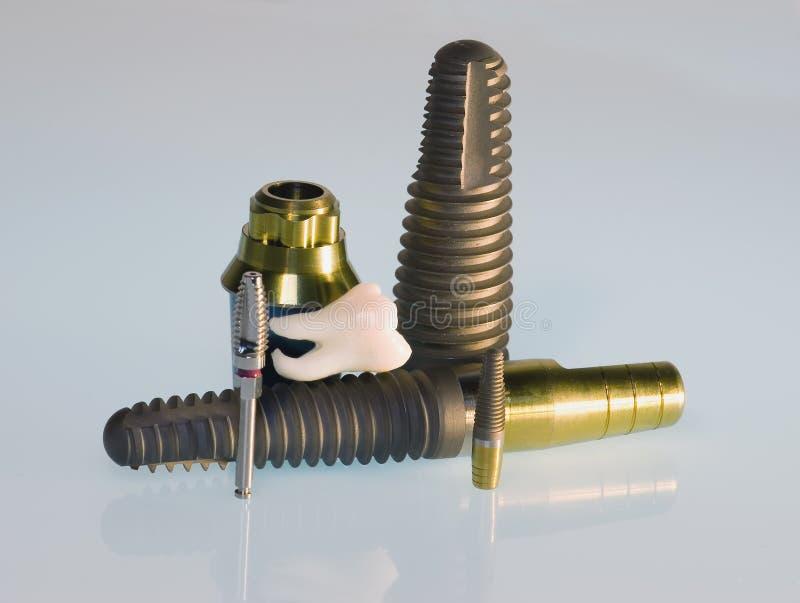 зубоврачебные implants стоковое фото rf