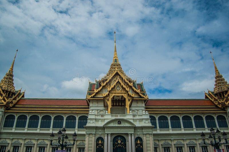 Здание архитектуры Таиланда небесно-голубое стоковая фотография rf