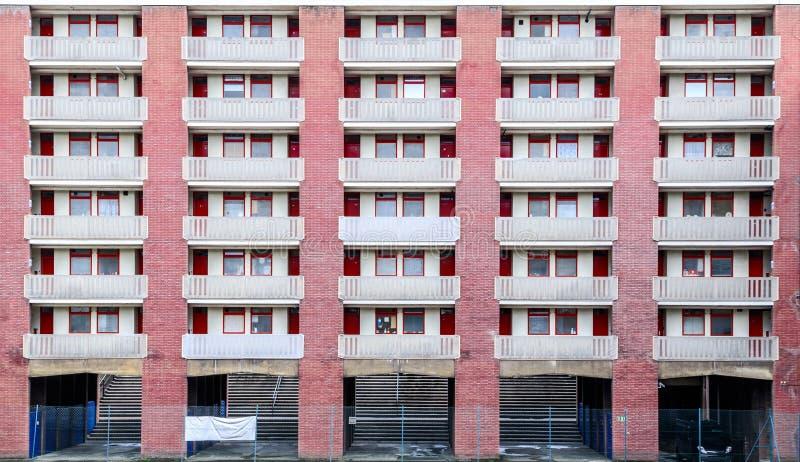 Здание архитектуры Brutalist в Лондоне стоковое изображение