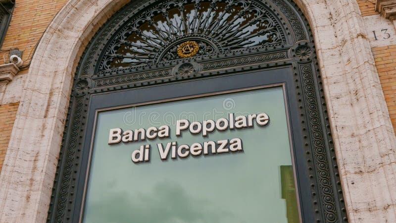 Download Здание банка в Риме - Banca Popolare Di Vincenza Редакционное Изображение - изображение насчитывающей итальянско, ведущего: 81808790
