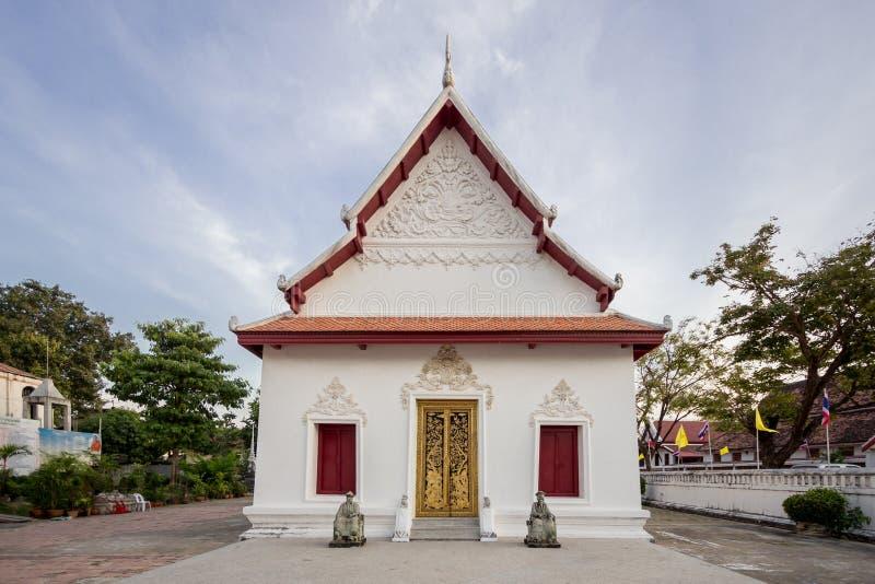 Здание виска в Wat Moli Lokayaram Ratcha Worawihan, Bangk стоковое фото