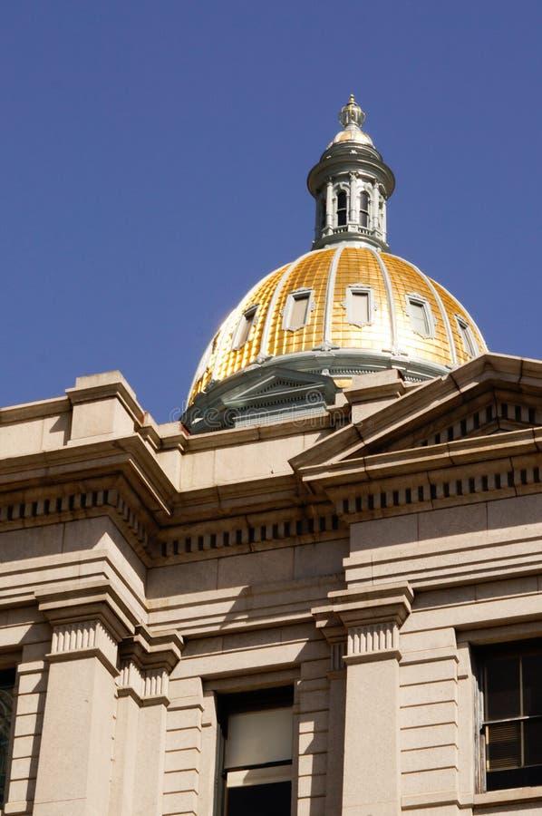 Здание Денвера Колорадо прописное стоковая фотография rf