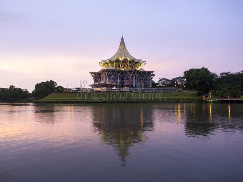 Здание законодательной ассамблеи положения Саравака, Kuching, Малайзия стоковая фотография