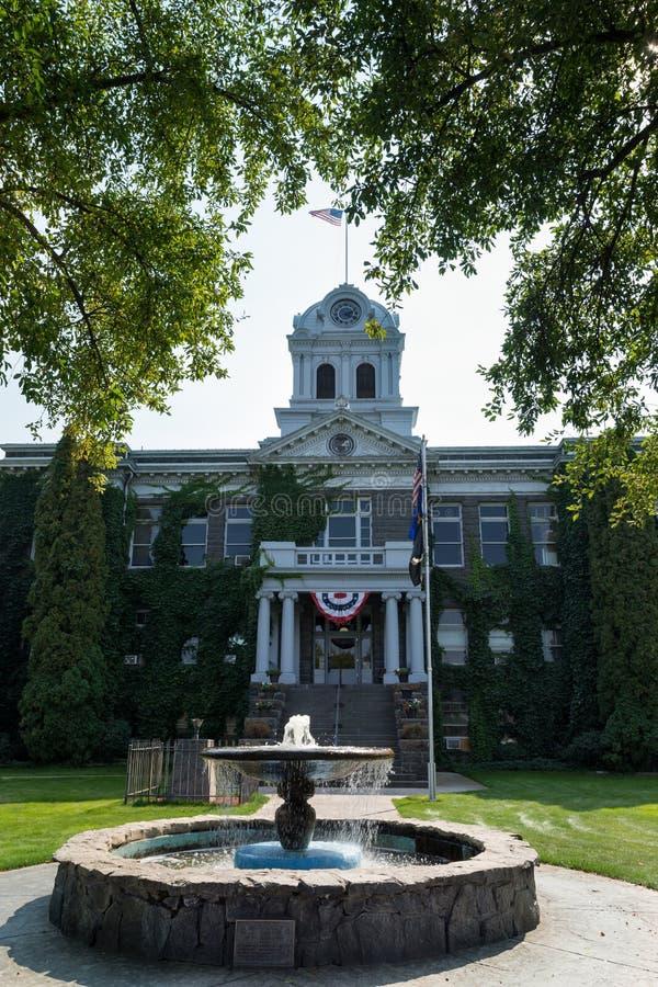 Здание здание муниципалитета в Prineville, Орегоне стоковое фото rf