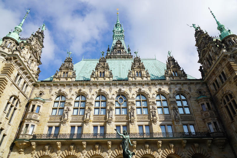 Здание здание муниципалитета Гамбурга Rathaus стоковая фотография