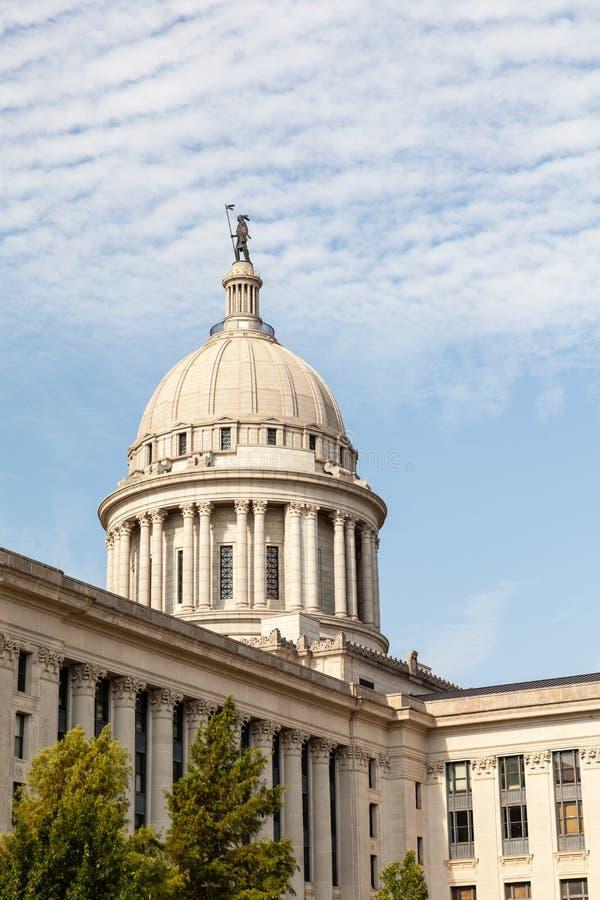 Здание капитолия положения Оклахомы стоковое фото rf