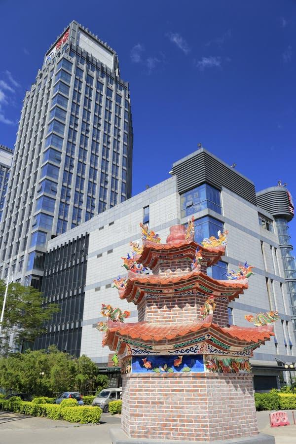 Здание компании haicang и большой горелки ладана стоковое изображение rf