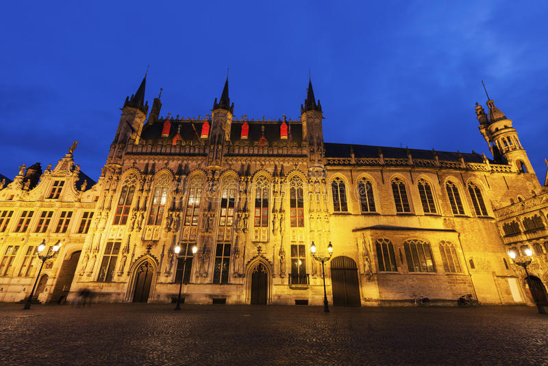 Здание муниципалитет Брюгге на квадрате Burg стоковое изображение rf