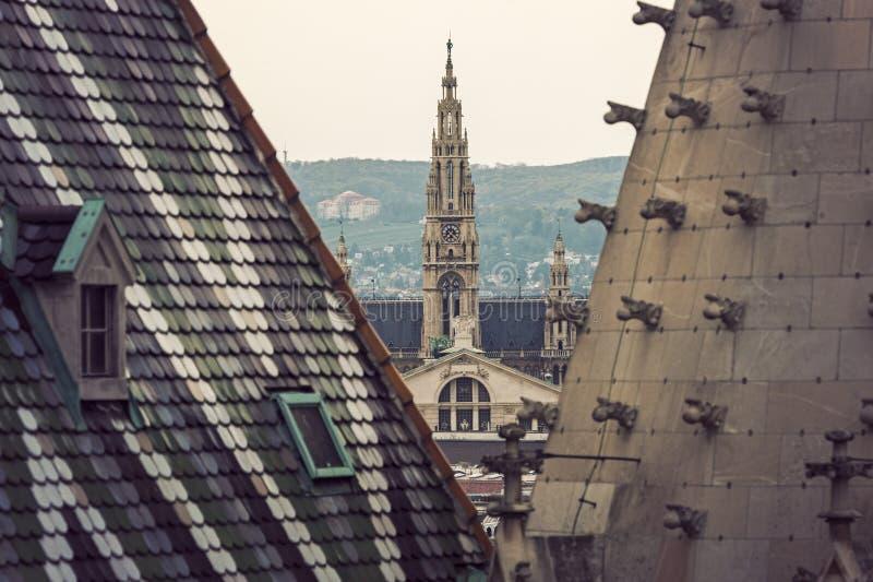 Здание муниципалитет вены увиденный от собора St Stephen стоковое изображение