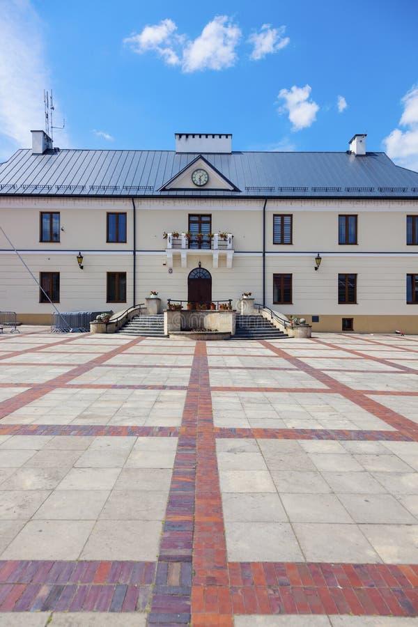 Здание муниципалитет в Szczebrzeszyn стоковое изображение rf