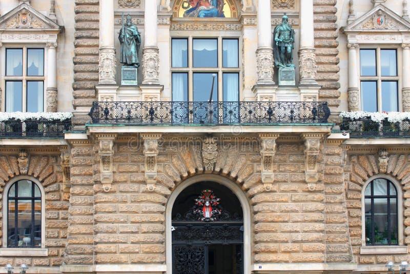Здание муниципалитет Гамбурга и место парламента Гамбурга стоковые изображения