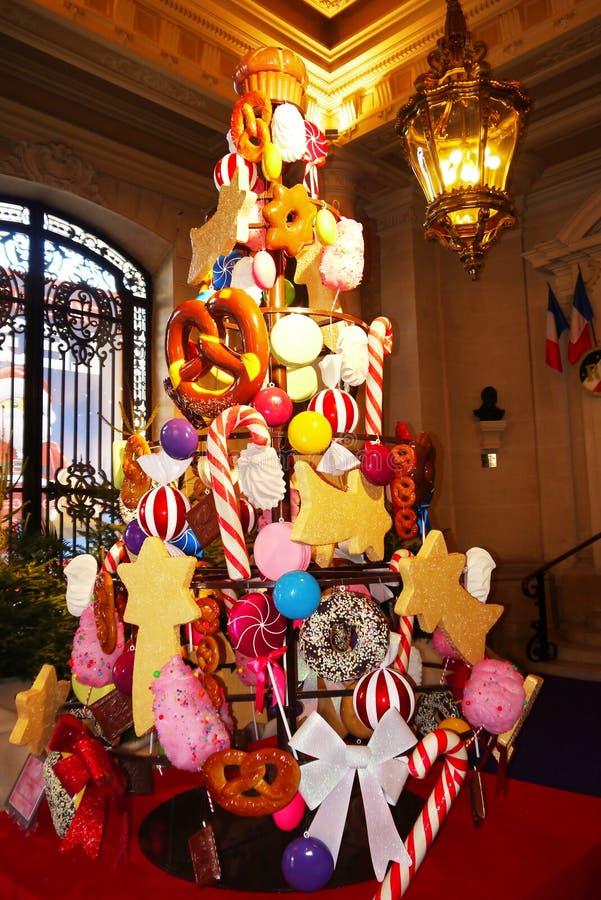 Здание муниципалитет Франция рождественской елки стоковое фото rf