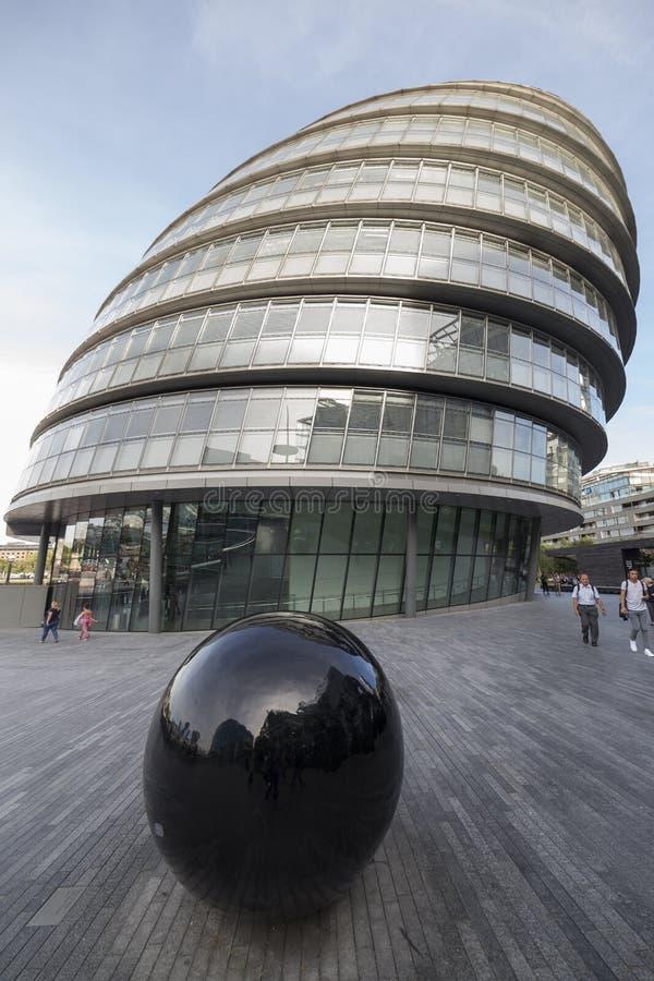 Download здание муниципалитет London Редакционное Фотография - изображение насчитывающей landmark, люди: 81811622