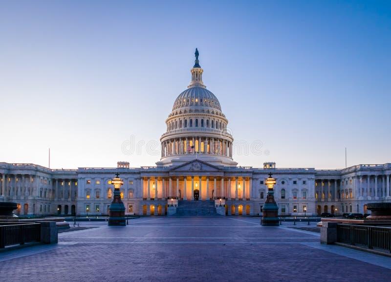 Здание на заходе солнца - Вашингтон капитолия Соединенных Штатов, DC, США стоковое изображение