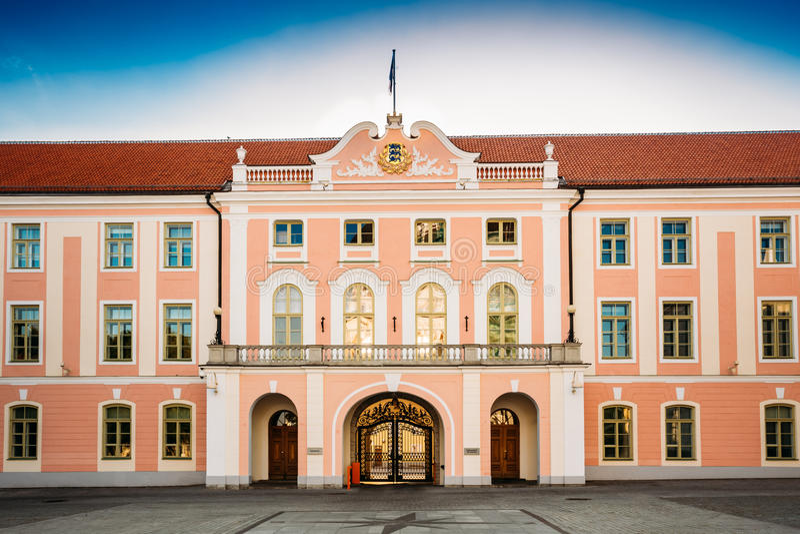 Здание парламента Эстонии на Таллине стоковое изображение rf