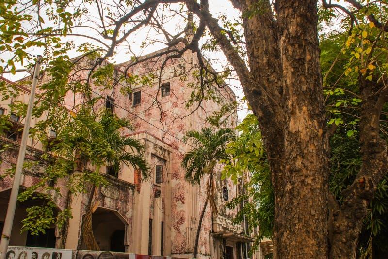 Здание розово manila philippines стоковые фотографии rf