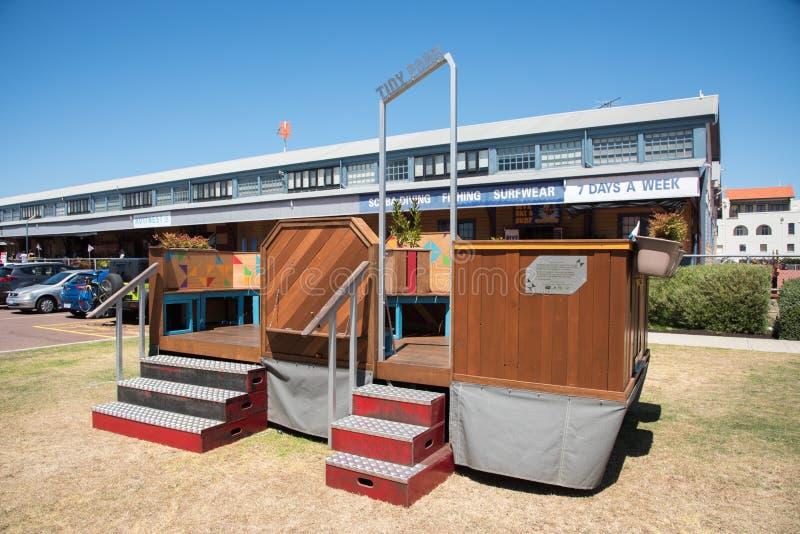 Здание сарая Fremantle с крошечным парком стоковые изображения