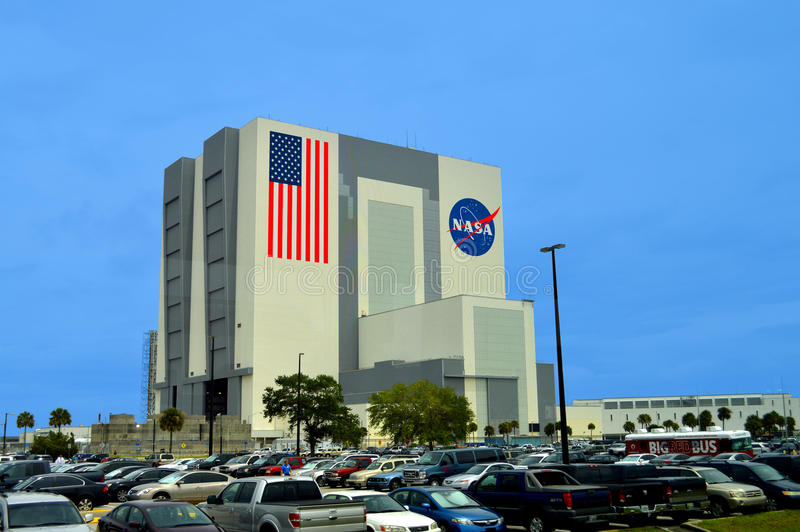 Здание собрания корабля NASA на космическом центре Кеннеди стоковые изображения
