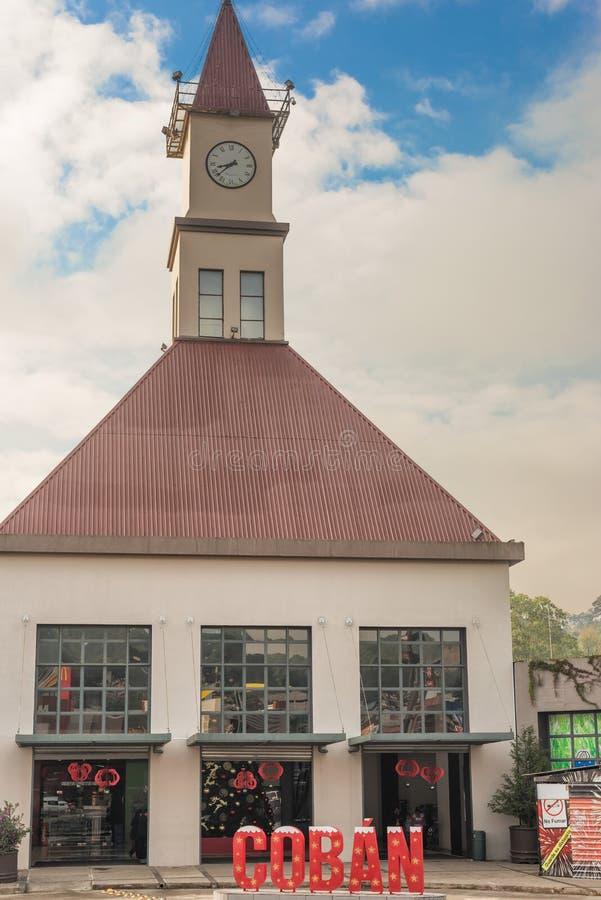 Здание станции пожарного в Coban, Гватемале стоковые изображения rf