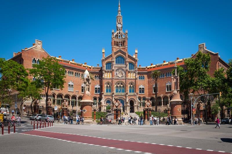 Здание Стар Больницы de Sant Пола в Барселоне, Испании стоковое изображение