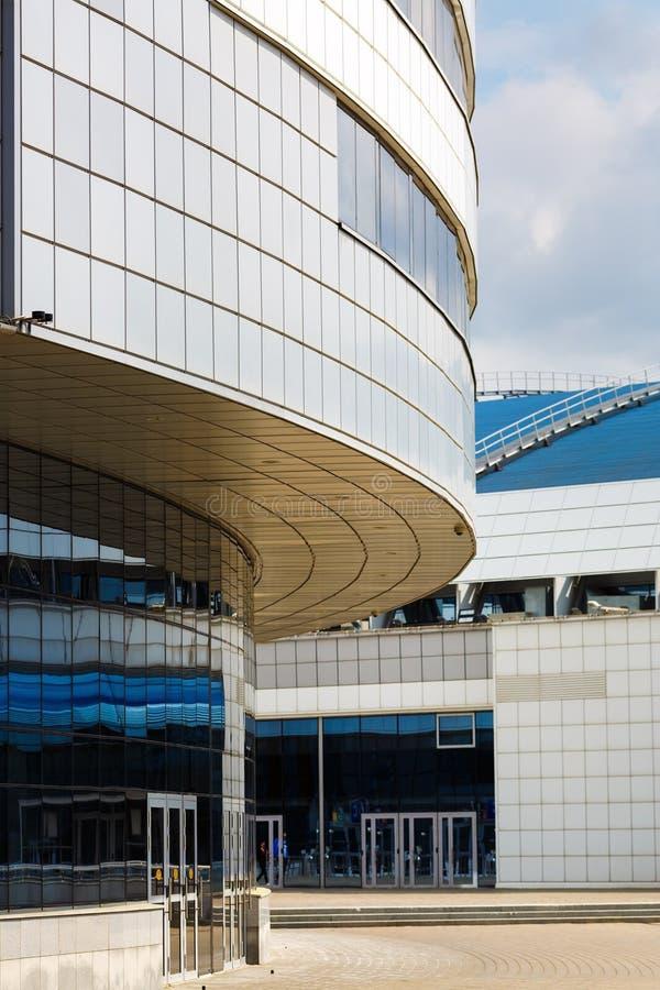 Здание стали и стекла стоковые изображения