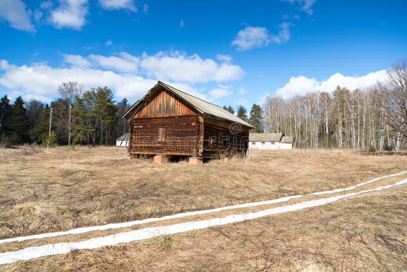 Здание структуры дома журнала деревянное стоковое изображение rf
