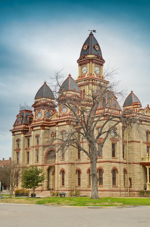 Здание суда Caldwell County в Lockhart Техасе стоковые фото