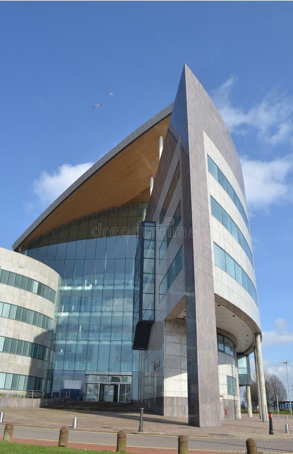 Здание Atradius, высокорослое застекленное здание стоковое изображение