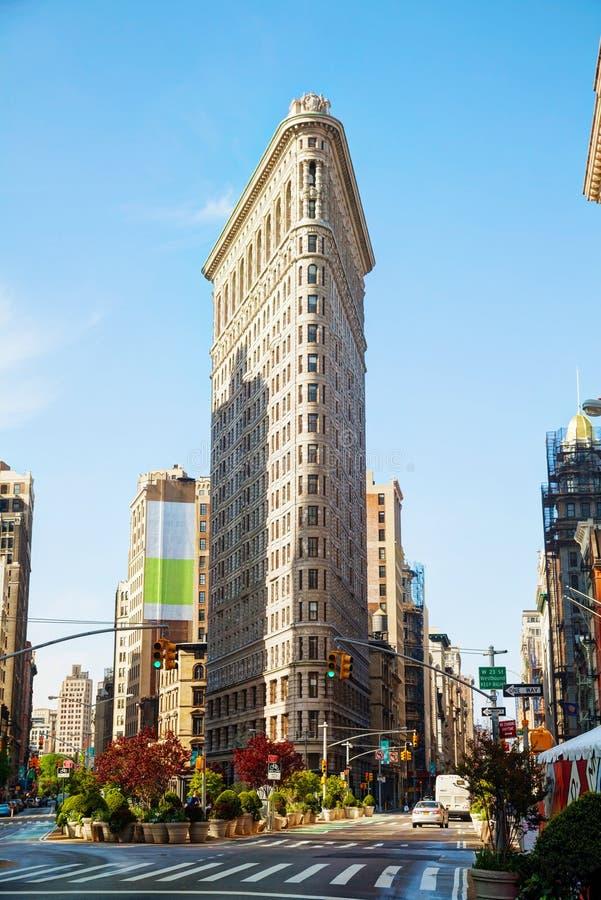 Здание Flatiron (более полное) в NYC в утре стоковое фото
