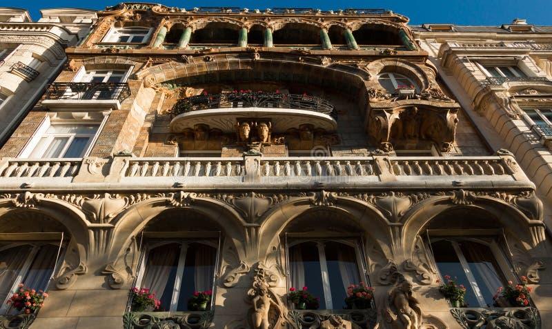 Download Здание Lavirotte, Париж, Франция Стоковое Фото - изображение насчитывающей обильный, bluets: 81802342