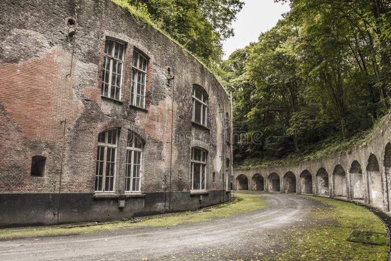 Здание Urbex воинское стоковая фотография rf