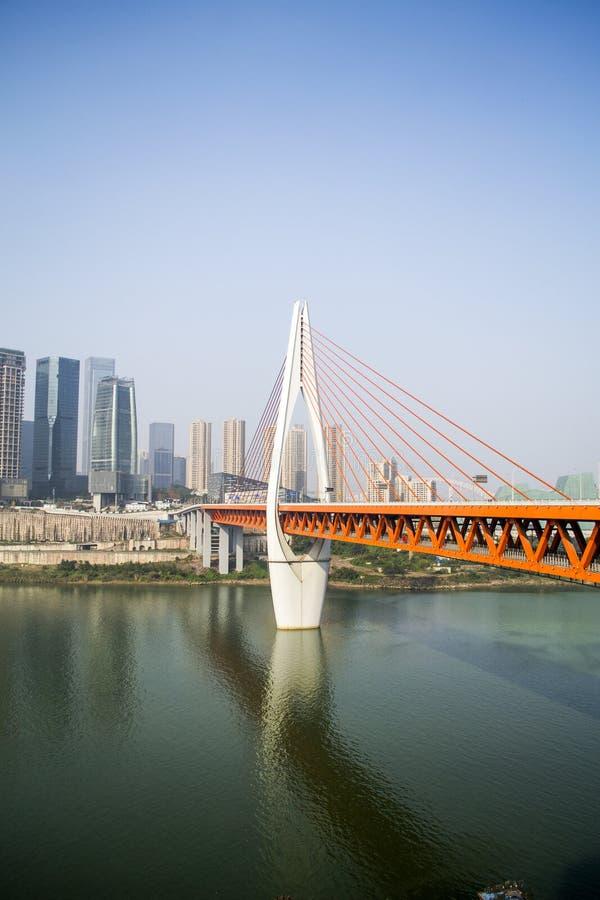 Здания и стальной мост стоковая фотография