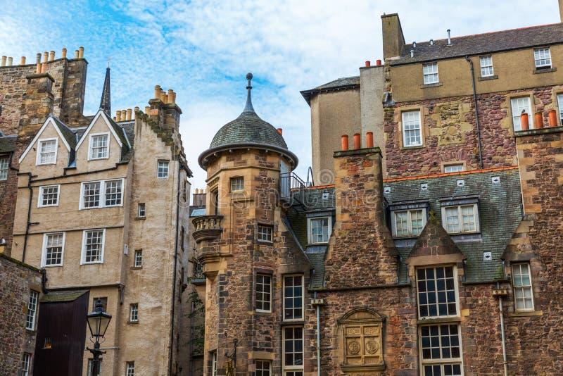 Здания на даме Лестнице Закрывать в Эдинбурге стоковое фото